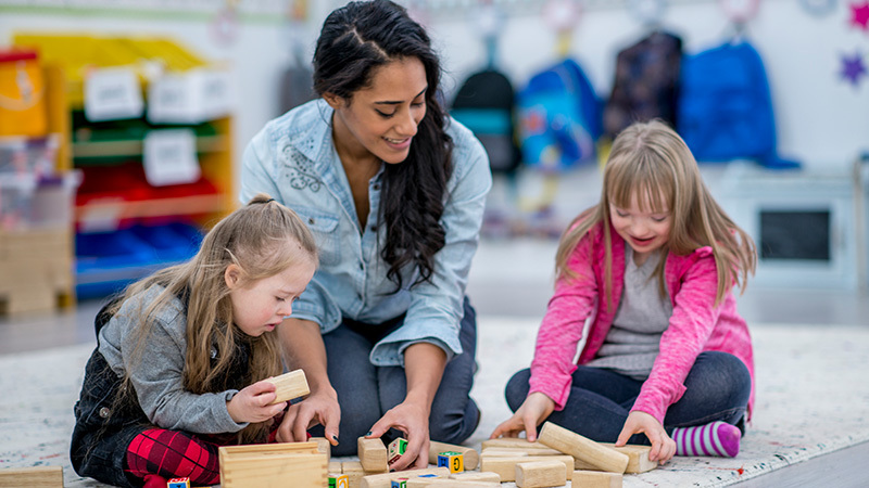 Mark Roemer Oakland Looks at What You Need to Know About Teaching Special Education